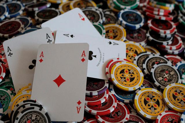 Ganar al póker como profesional: Actitudes a considerar